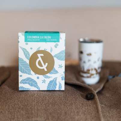 Dapper & Wise Colombia La Falda coffee box with branded Miir mug