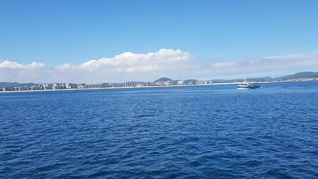 Ruta en barco al Faro del Caballo