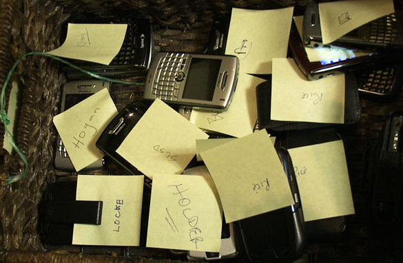casa blanca, deja tu smartphone afuera - unpocogeek.com