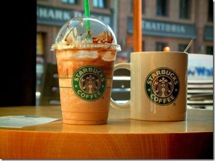 Starbucks lanza aplicación móvil para comprar en sus locales