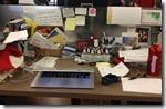 ceo desk Dennis Crowley, Foursquare - unpocogeek.com