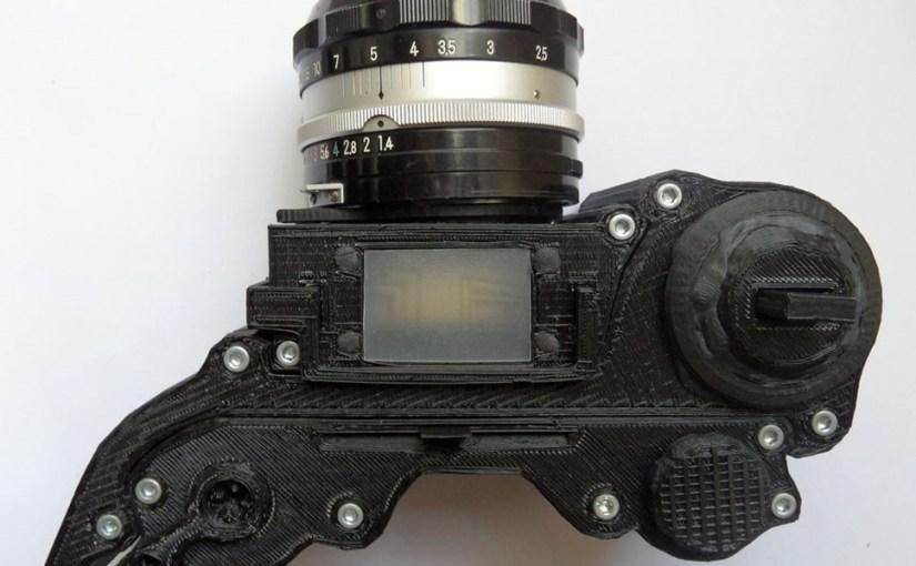 Una cámara DSLR creada con una impresora 3D