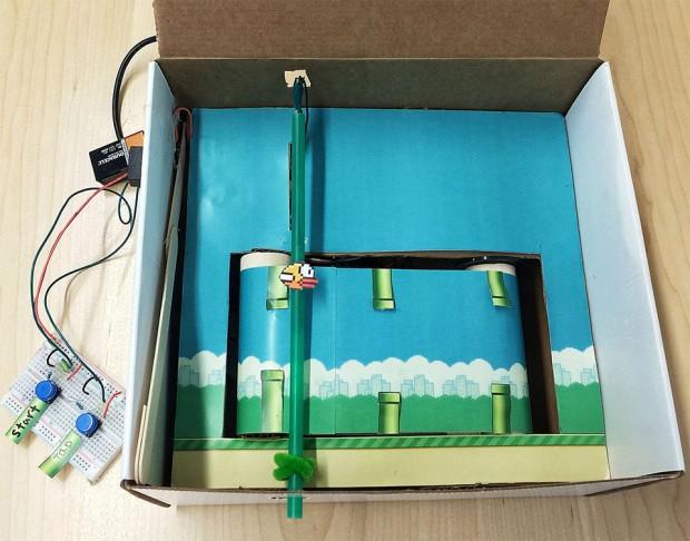 Flappy Bird realizado con una caja