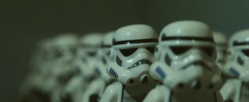 Trailer de The Force Awakens realizado con LEGO