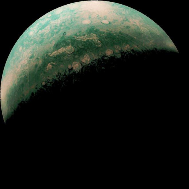 Fotografías de Júpiter tomadas por Juno, editadas