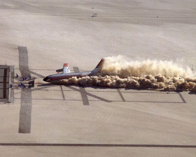 El día que la NASA estrelló un avión por la ciencia