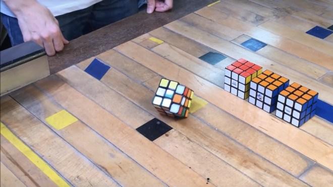 Cubo Rubik que se resuelve solo