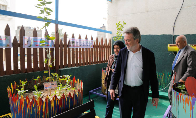 The Director of UNRWA Operations in Gaza, Mr. Bo Schack, local community leaders, teachers and students attended the opening of a rooftop garden in UNRWA Nuseirat Preparatory Girls School B. © 2017 UNRWA Photo
