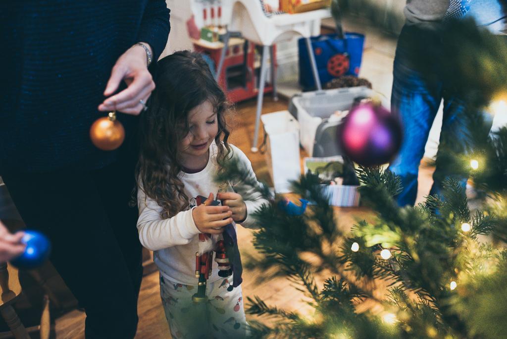 Christmas Tree Decorating Photographer
