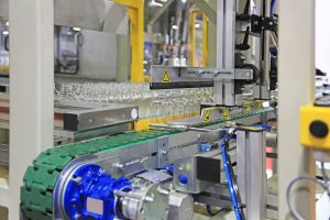 Automatic line for packing of plastic bottles after production