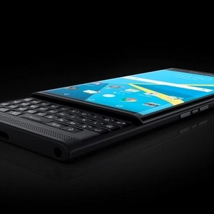 Le smartphone PRIV By BlackBerry se dévoile en photos