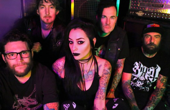 "Lola Black Release New Music Video for ""Dead to Me"""