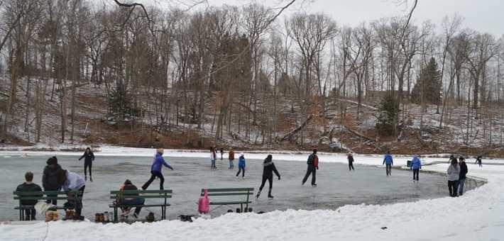 Maine ice skating rinks & ponds