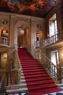 398px-Chatsworth_main_hallway