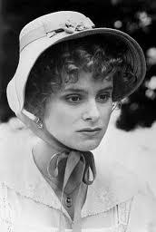 p-2526p_bbc_1980_elizabeth_01