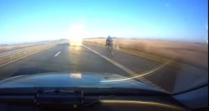 Cyclist rides over 90km/h (over 55mph) on Highway and Police appears