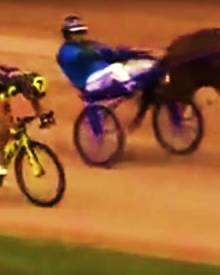 PRO CYCLIST vs HORSE