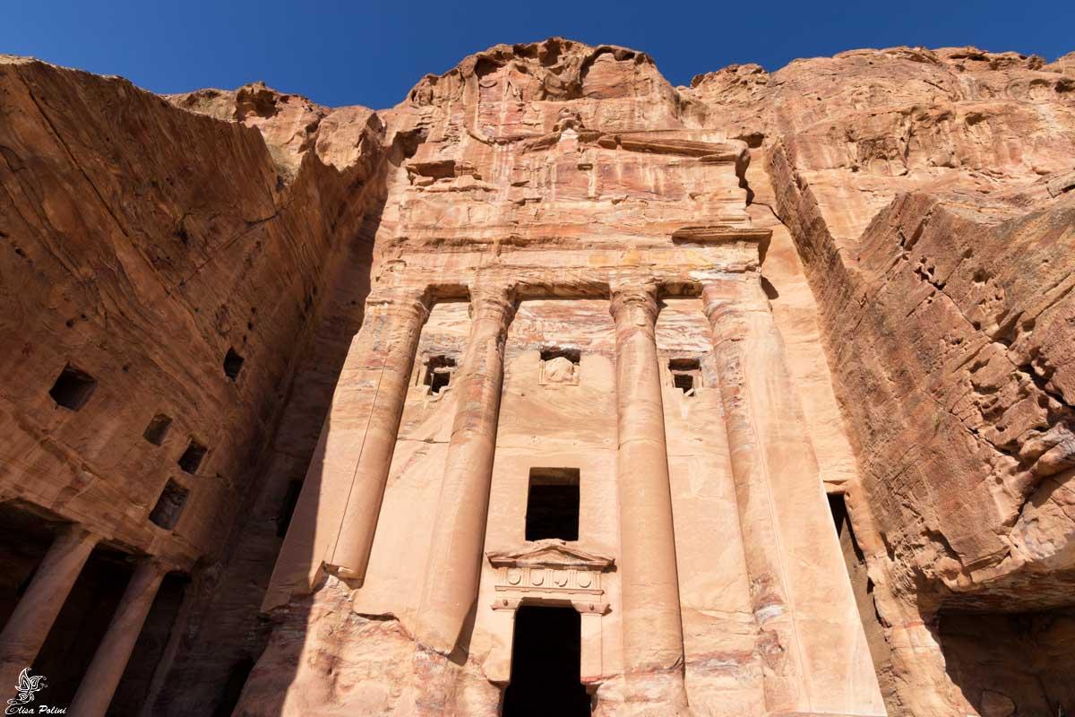 Petra: una delle Tombe Reali