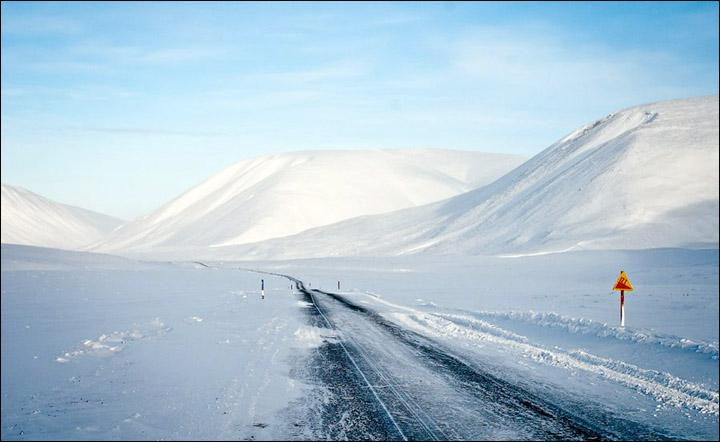 Una delle ice road più pericolose al Mondo in Siberia