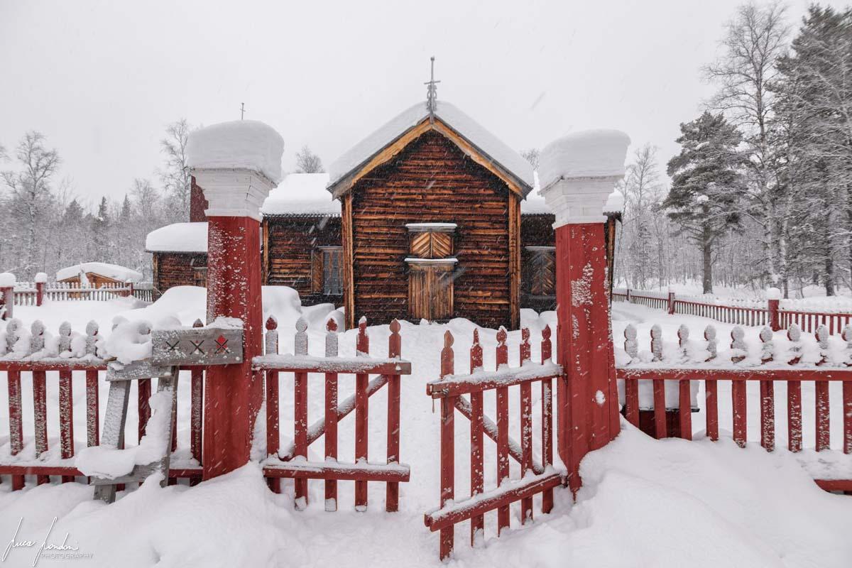 Villaggi Sami: Pielpajärvi Wilderness Church vicino ad Inari