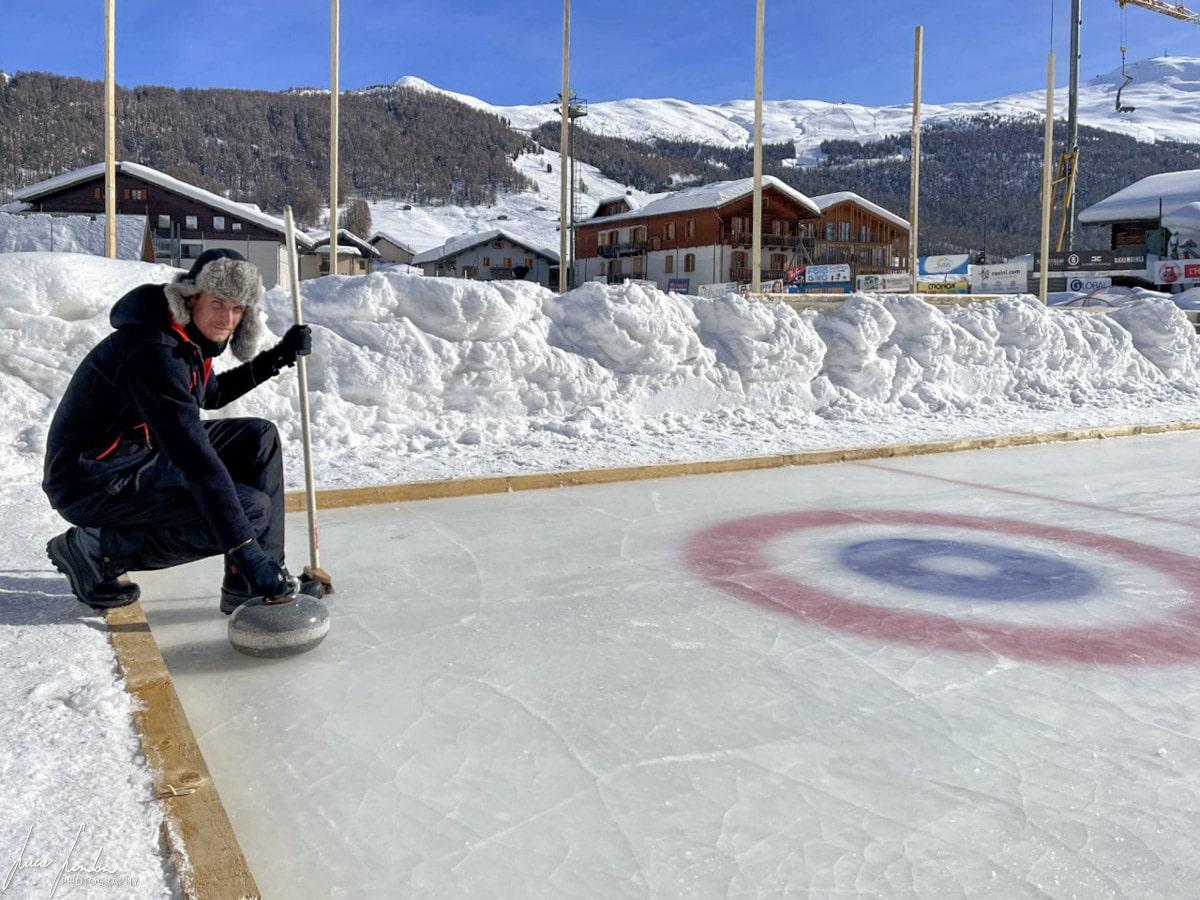 Cosa fare a Livigno: provare il curling