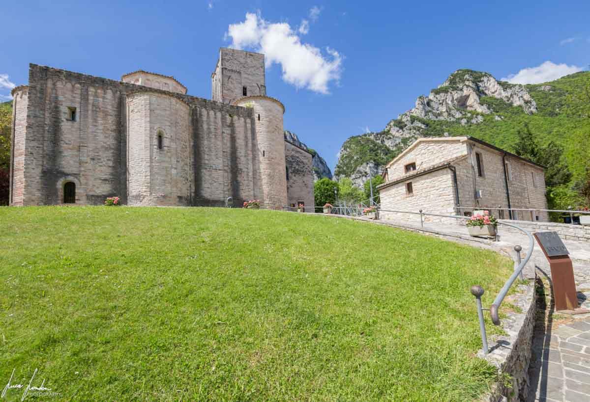 Genga: Abbazia di San Vittore