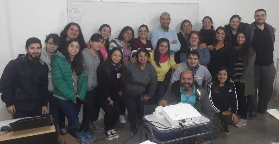 La comisión de la Licenciatura en Enfermería se reunió con estudiantes de la carrera