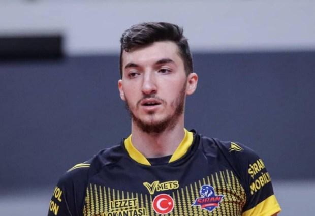 Akkuş Belediye Spor' dan Orta Oyuncu Transferi