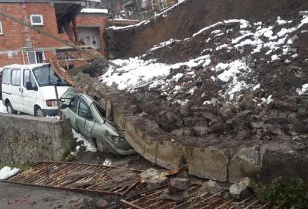İkizce'de İstinat Duvarı Çöktü!