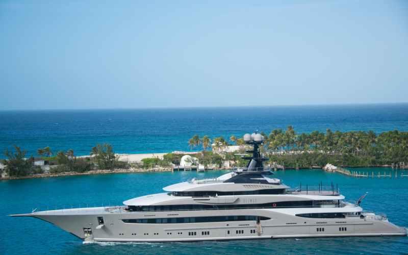 Bill Gates superyacht is hydrogen-powered
