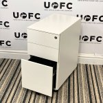 UOFC-White-Slimline-Pedestal-3