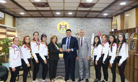 رئيس جامعة الحمدانية يستقبل دليلات الكشافة بجامعتنا