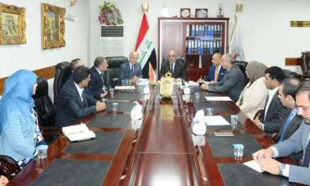 الدكتور حامد خلف يتسلم مهام عمله وكيلا إداريا لوزارة التعليم العالي