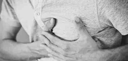 胸口痛是怎麼回事?可能與9個因素有關,別大意了