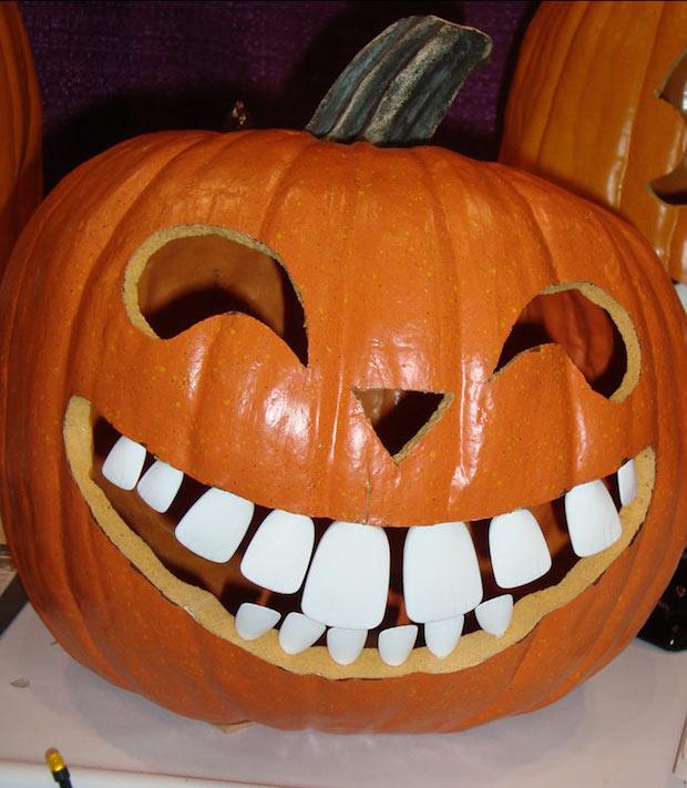 16 Spooky Halloween Pumpkin Art Decor Ideas