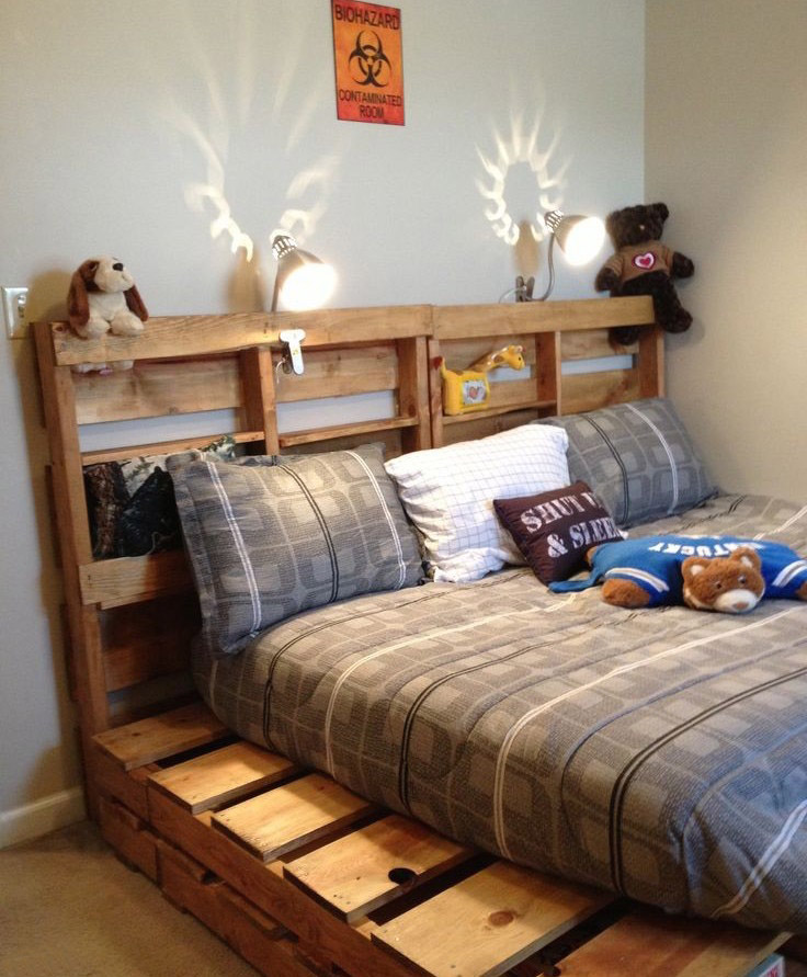 20 brilliant wooden pallet bed frame ideas for your house on Bedroom Pallet Ideas  id=78727