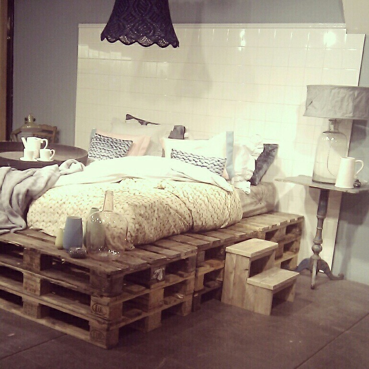 20 brilliant wooden pallet bed frame ideas for your house on Pallet Bed Design  id=83735