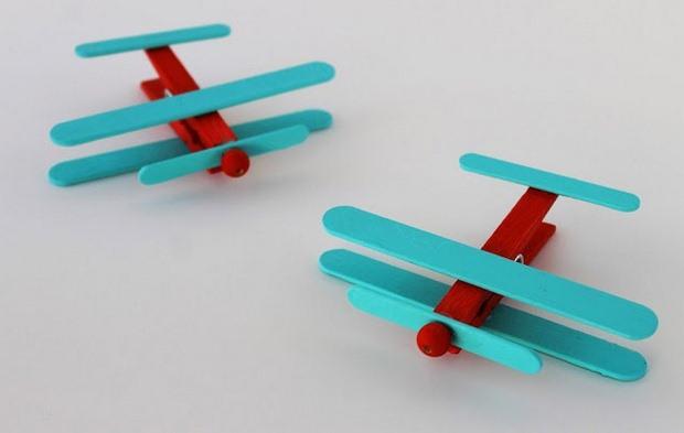 artesanías pinza de ropa para niños Ideas Upcycling plano proyecto palito de helado de color
