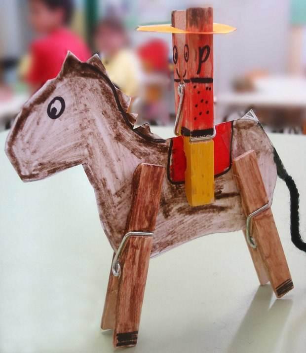 pinza de la ropa hecha en casa DIY DIY crafts vaquero de los niños ideas con caballo