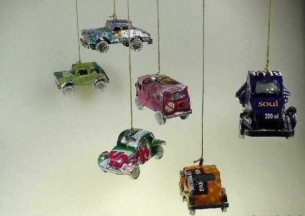upcycled artesanías crimen viento desde pequeños coches de juguete ideas de decoración únicos