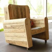 Pallet wood armchair collection by Redolab