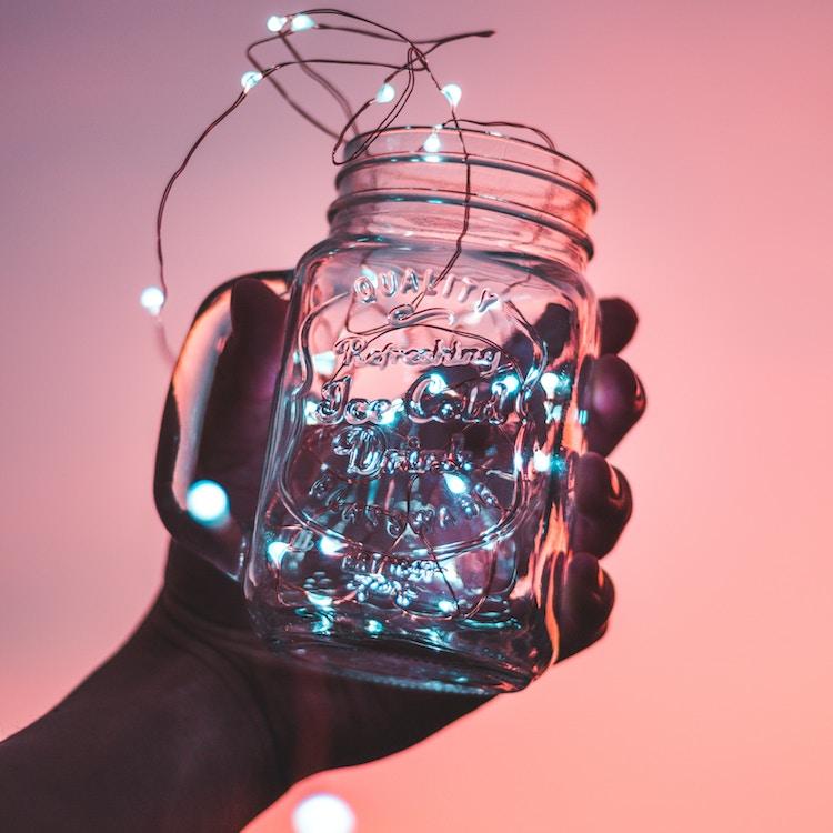 Lichterkette in Trinkglas