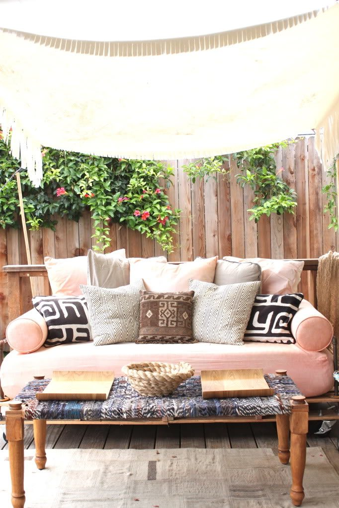 Pallet Daybed   Upcycle That on Belham Living Lilianna Outdoor Daybed id=71501