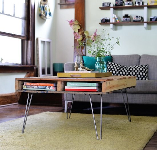 Build Your Own Coffee Table With Storage: Pallet Coffee Table