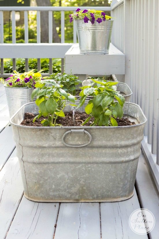 Upcycled garden ideas - washing tub planters