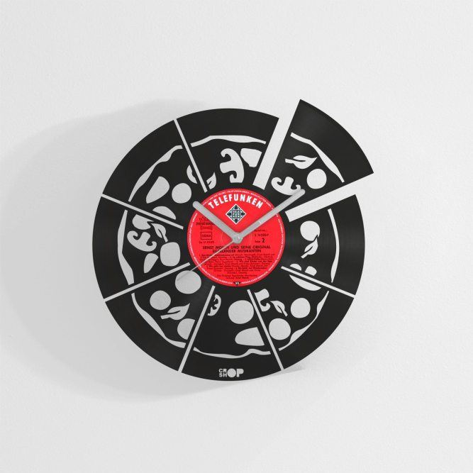 Italian Pizza wall clock from upcycled vinyl record (LP)