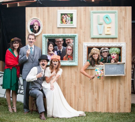 Repurpose Old Picture Frames - Photo Booth Frame