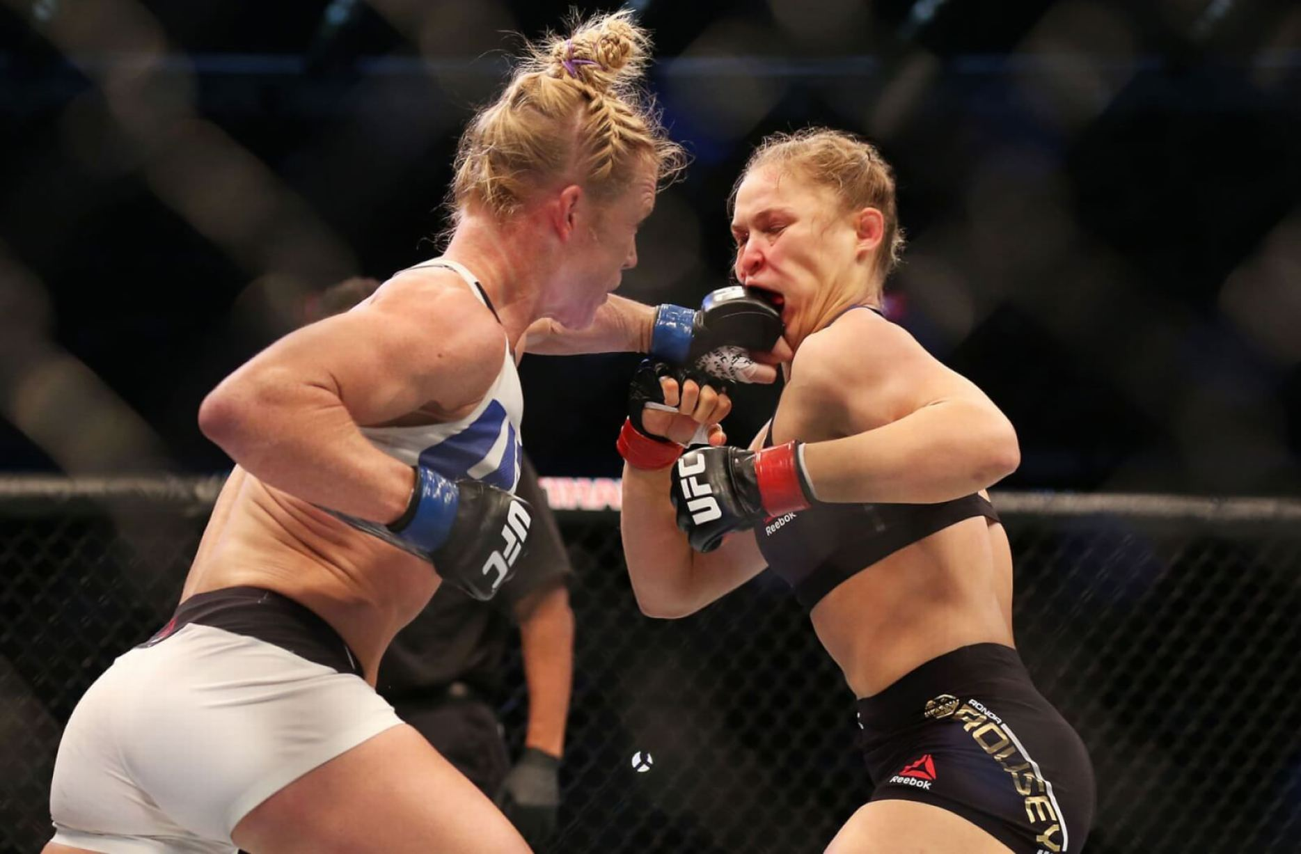 Holly-Holm-Ronda-Rousey-_0010