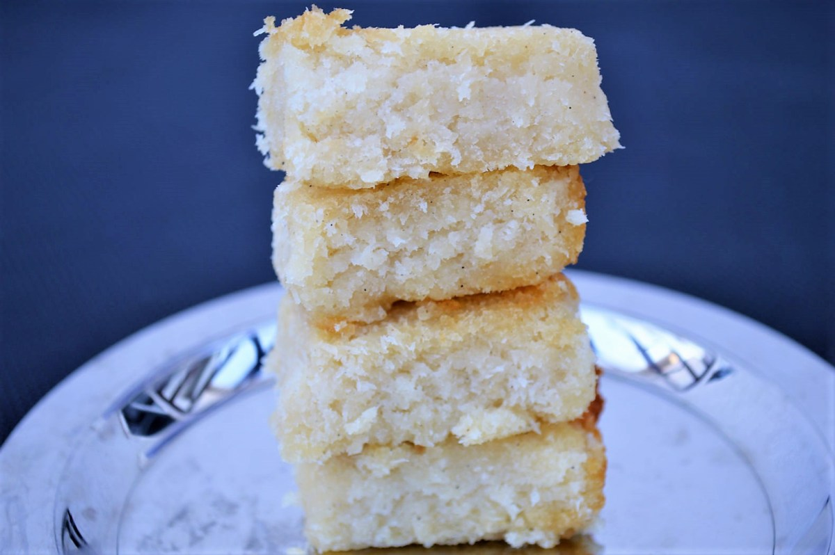 Coconut Burfi (Healthy, easy and vegan)