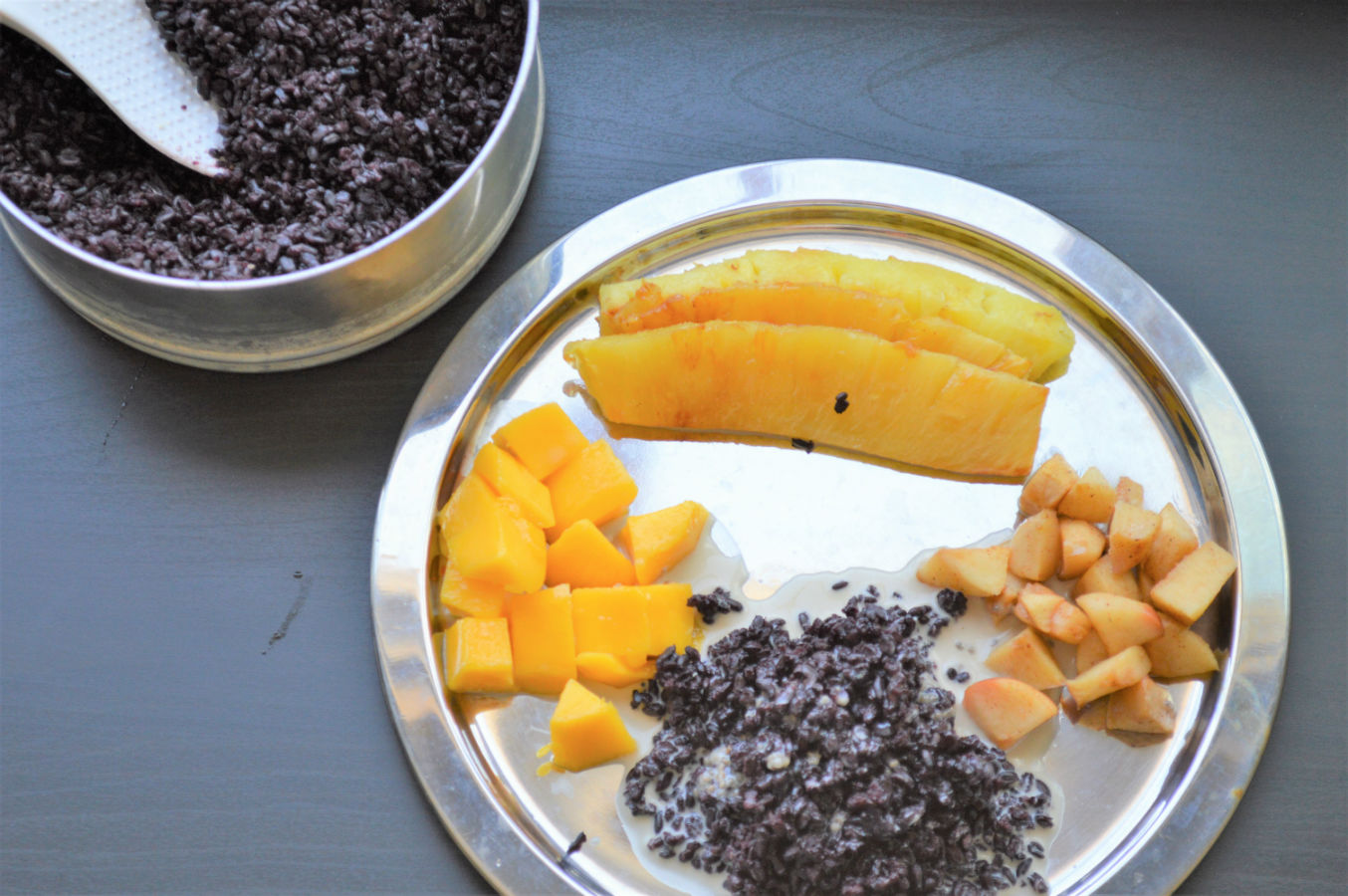 black rice breakfast with fruits